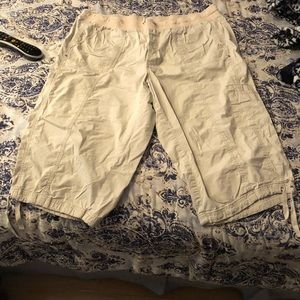 Style and co capris 20w